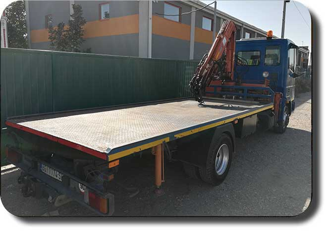 Kamionski prevoz,  Kamion sa kranom
